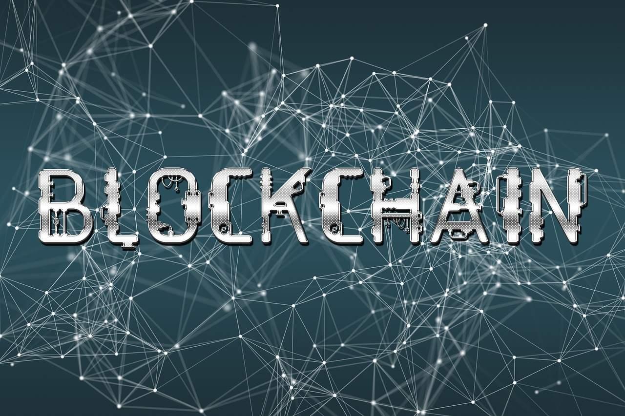 blockchain facebook mídia social telegram steemit