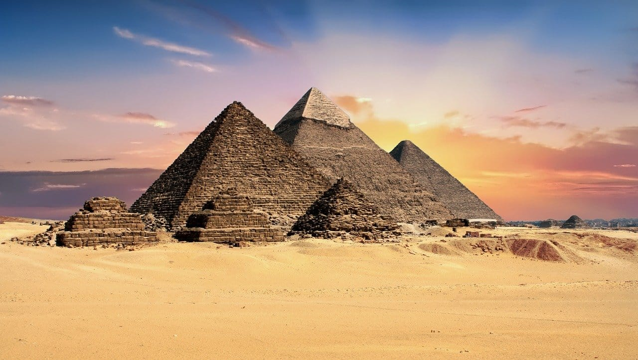 piramides-bitcoin-criptomoedas