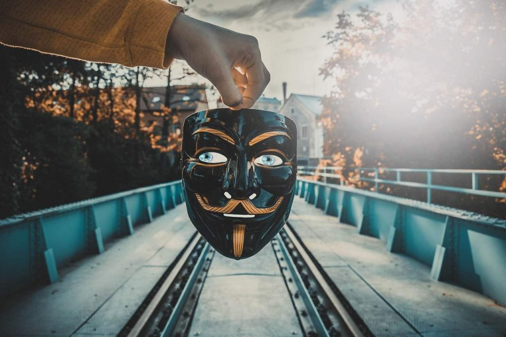golpe-bitcoin-cz-binance-investidor-instagram-perfil-falso-fake-changpeng-zhao