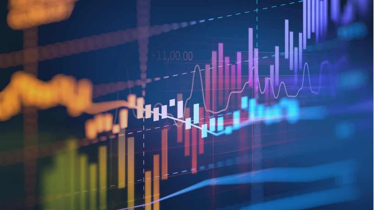trader-gráfico-altcoin-criptomoedas