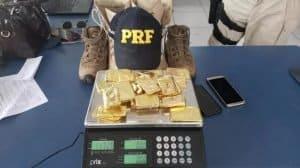 Vídeo: Homem é detido com 12kg de ouro escondido nas botas em rodovia no Pará