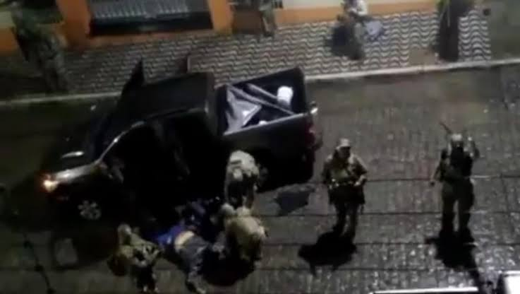 Assalto-bandidos-caixa-economica-bando-brasil-paraiba-pb-pm-policia-militar-explodir-explosivos-armas-tentativa-roubo-areia-gate