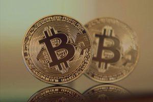 Fundos de criptomoedas superam o bitcoin com alta de até 85% no 1° semestre