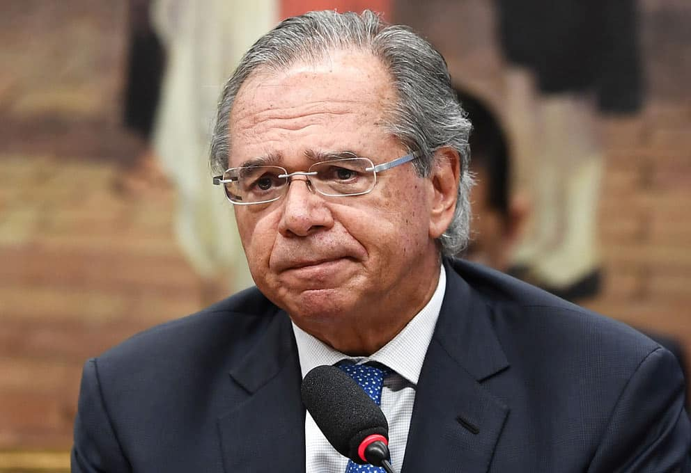 Boatos da saída de Guedes derrubam a Bolsa e Bolsonaro já teria um substituto