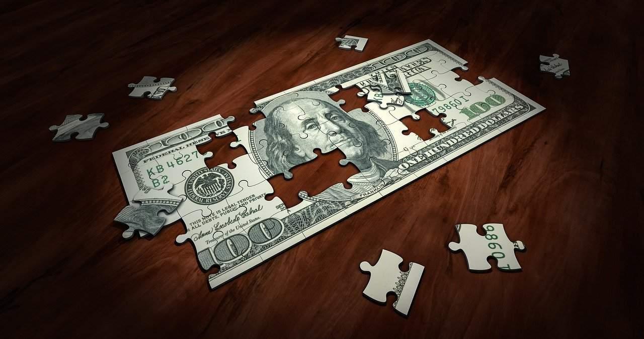 Peter Schiff, hater do bitcoin, está preocupado com a queda do dólar