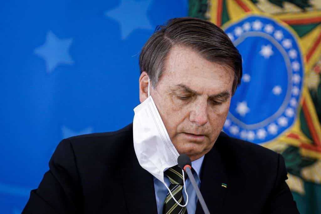 """Vamos tocar a vida"", diz Bolsonaro sobre 100 mil mortes por COVID-19 no Brasil"