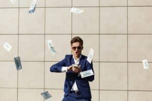 Acionistas vão exigir que empresas comecem a comprar BTC, diz Max Keizer