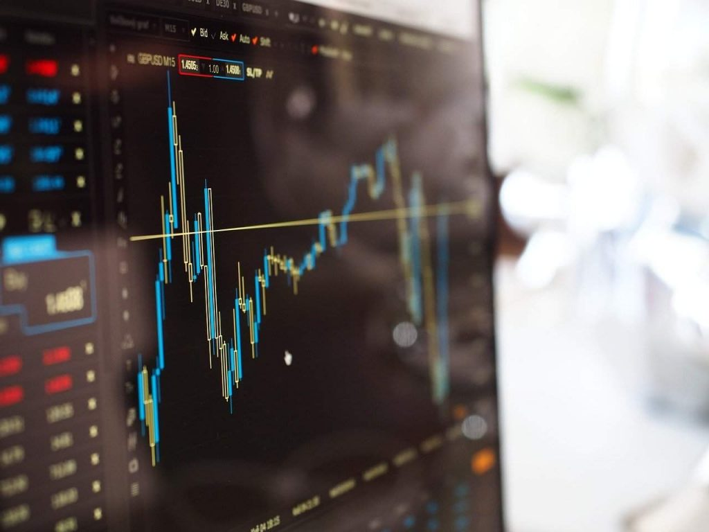 Bitcoin pode disparar se Banco da Inglaterra implementar taxa de juros negativos