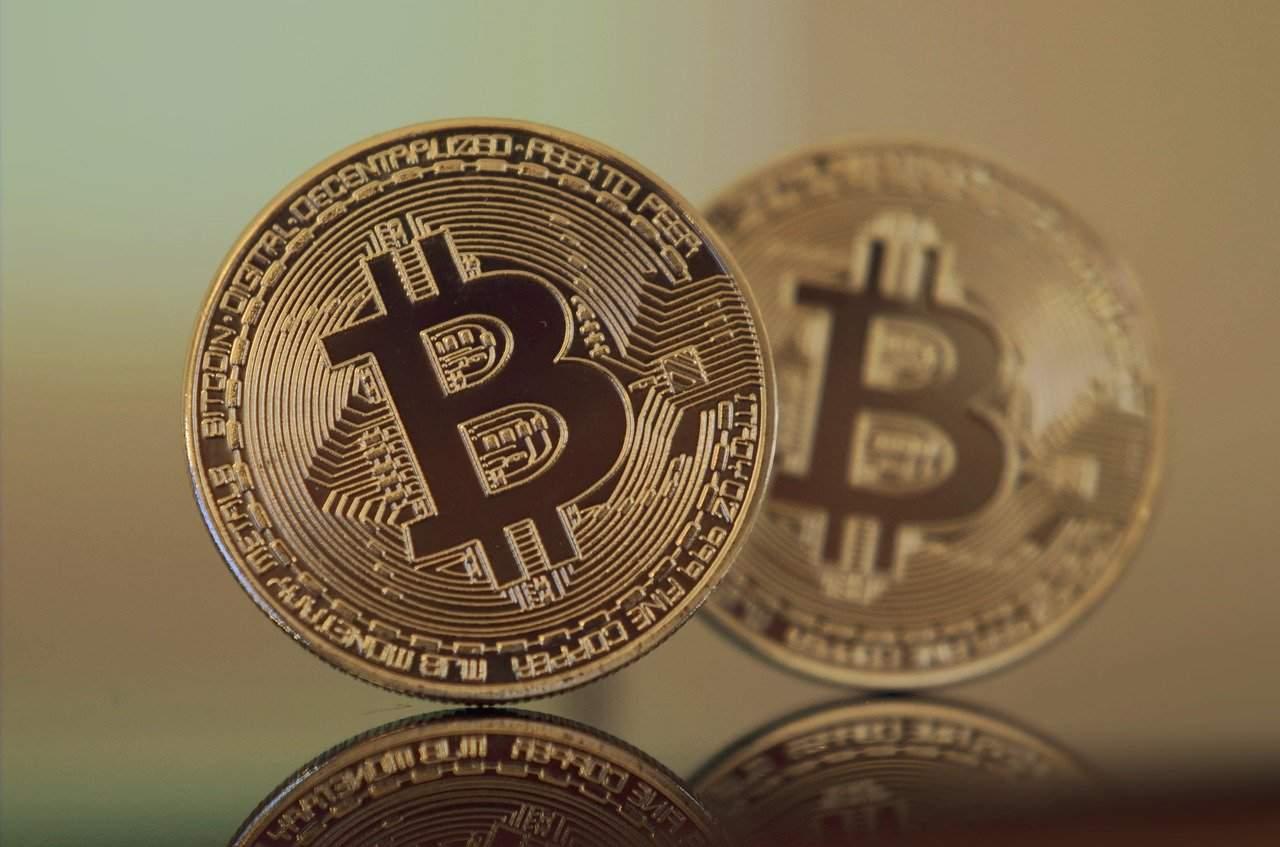 Gráfico do Bitcoin sugere queda de 50% como em março de 2020