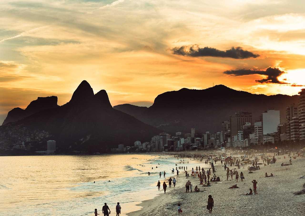 brasil-banco-central-real-moeda-digital-campos-neto-economia-bilhões-turismo