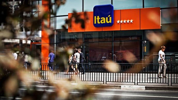 itaú-banco-bitcoin-funcionário-trade-negociação-trading-demite