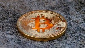 Bitcoin se aproxima dos R$ 70 mil e pode ir ainda mais alto