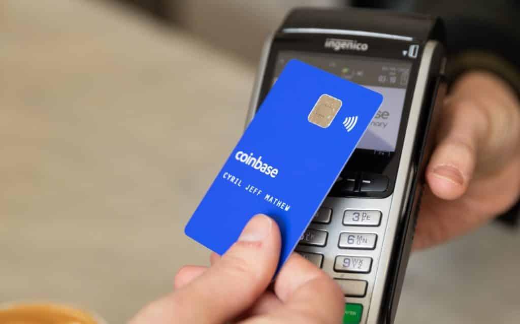 Coinbase lança cartão de débito com recompensa por gastos em Bitcoin