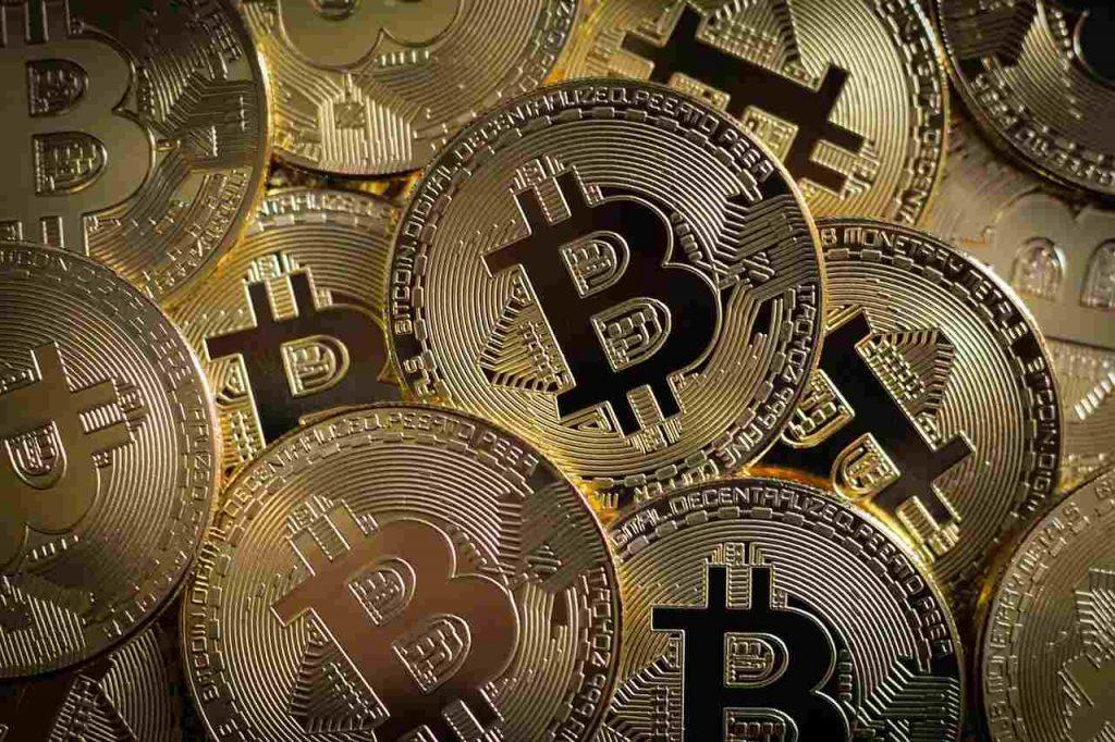 dash-digital-bitcoin-bancos-tradicionais-criptomoedas-mercado-economia-brasil-debate-descentralizado