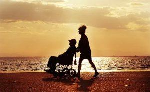 mulher-idoso-morto-cadeira-rodas-banco-aposentadoria-prova-vida-campinas-sp