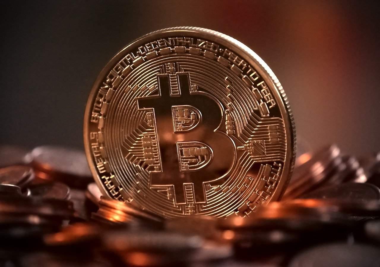 Bitcoin atinge os preços de janeiro de 2018 e as taxas de transações aumentam junto