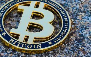 Bitcoin supera ações e ouro e é o ativo com melhor desempenho em 4 anos