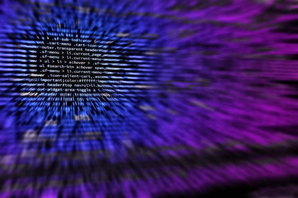 Hacker engana usuários do Facebook com plataforma de bitcoin falsa