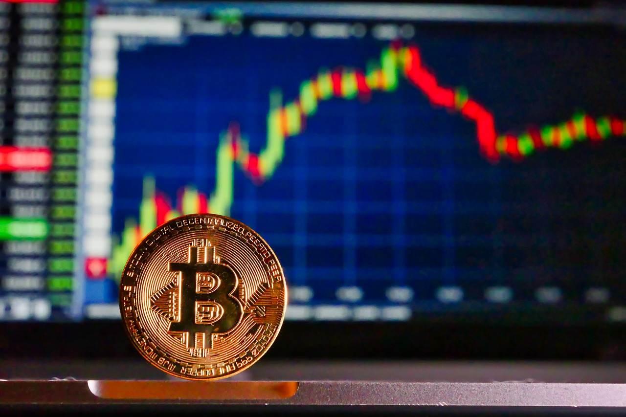 """""""Bitcoin pode chegar em US$400 mil 'rima' com a história"""", diz estrategista da Bloomberg"""