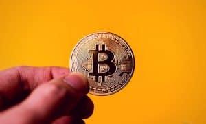 bitcoin-btc-recorde-história-20-mil-dólares-máxima-histórica-preço-alta-valorização-investidores-institucionais-comprar-investir