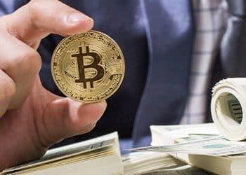 O que está fazendo o Bitcoin subir tanto e como lucrar com ele em 2021 sem correr riscos desnecessários
