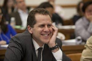 EUA: Biden vai nomear ex-consultor da Ripple como chefe do OCC
