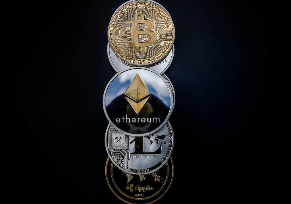 bitcoin-ethereum-criptomoedas-altcoins-btc-eth-preço-investir-comprar-alta-economia-criptoativos
