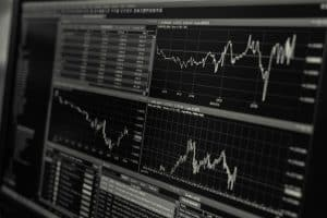 gamestop-brasil-economia-negócios-ações
