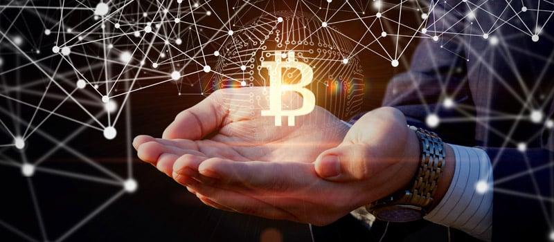 Após a correção, bitcoin volta a atingir US$54.000