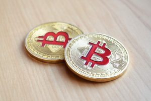 Compra de bitcoin pela tesla pode não desencadear uma demanda corporativa, afirma JPMorgan