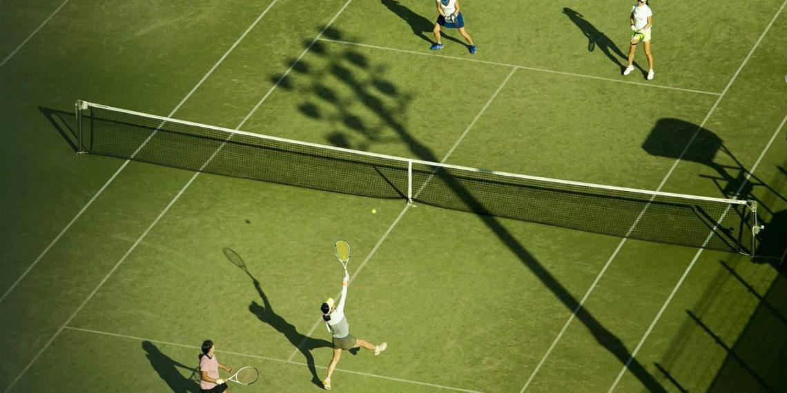 Jogadora de Tênis está leiloado parte do braço como uma NFT